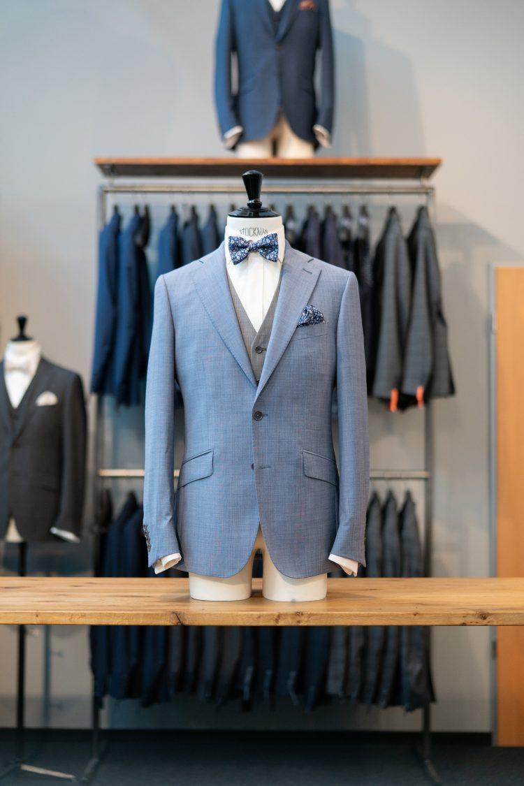 Baptiste | Hellblauer Anzug mit grauer Weste