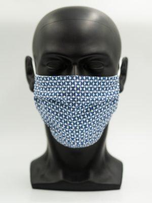 Mund- und Gesichtsmaske blau gemustert mit Falten
