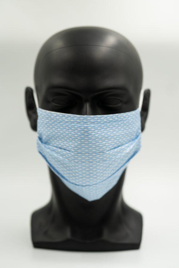 Mund- und Gesichtsmaske hellblau Wellenmuster mit Falten