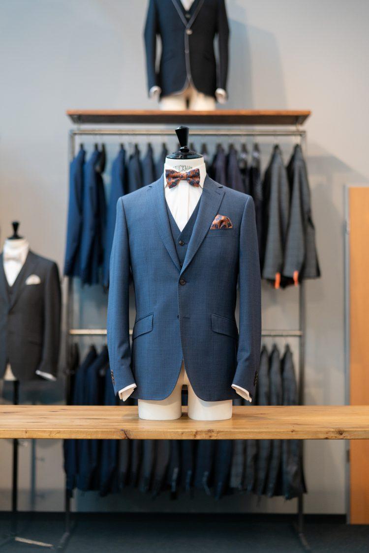 Bosse | Mittelblauer Anzug mit Fliege